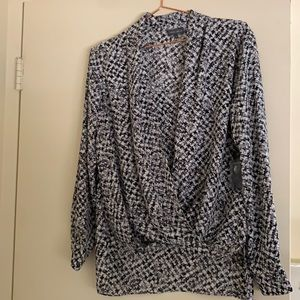 NWT Size Small Vince Camuto Beautiful Blouse